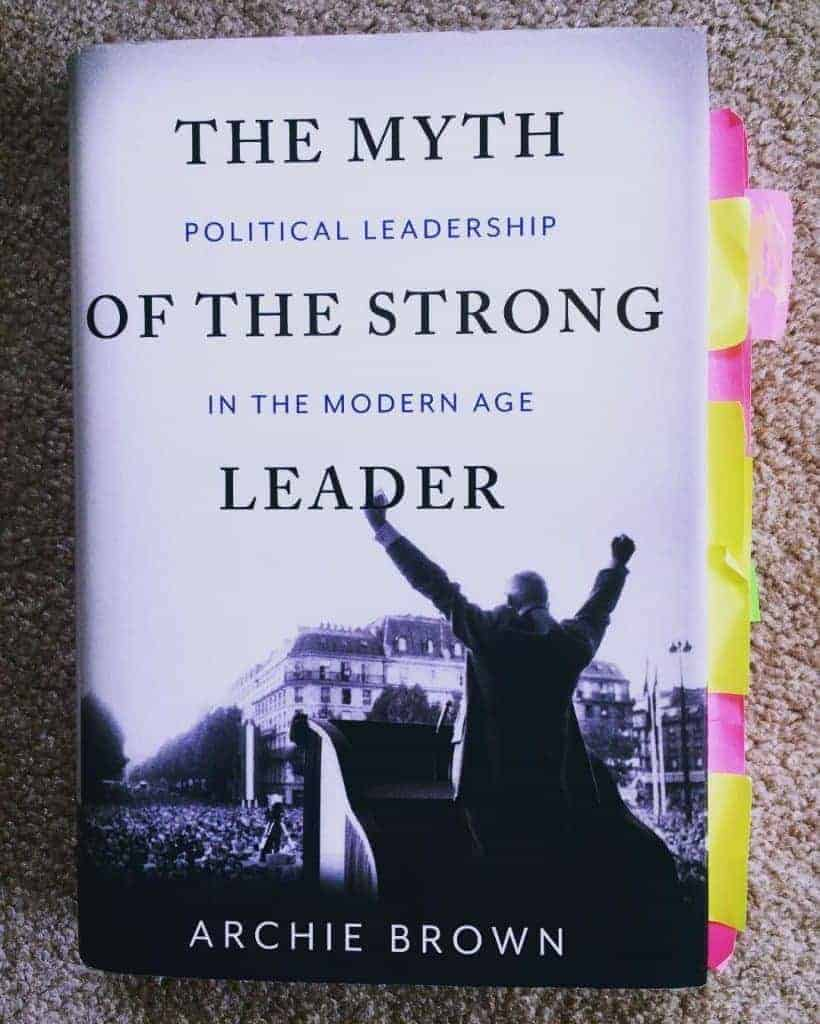 Đặt mua sách tiếng Anh The Myth of the Strong Leader tại Tinoreadingroom.com